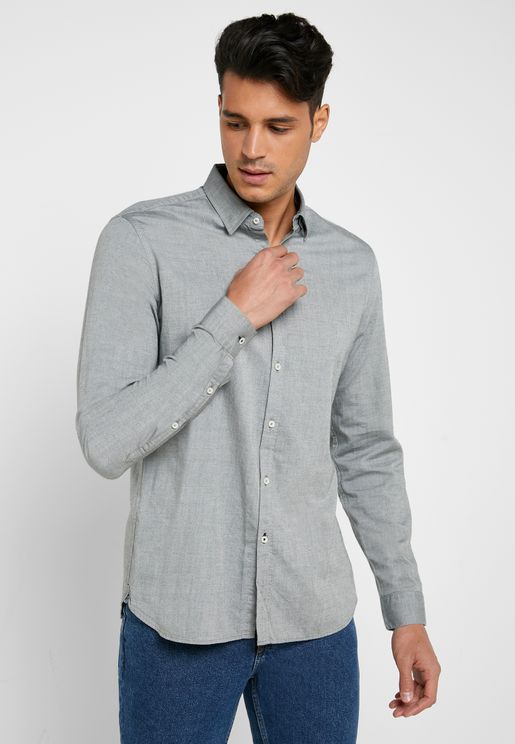 Model Slim Fit Shirt
