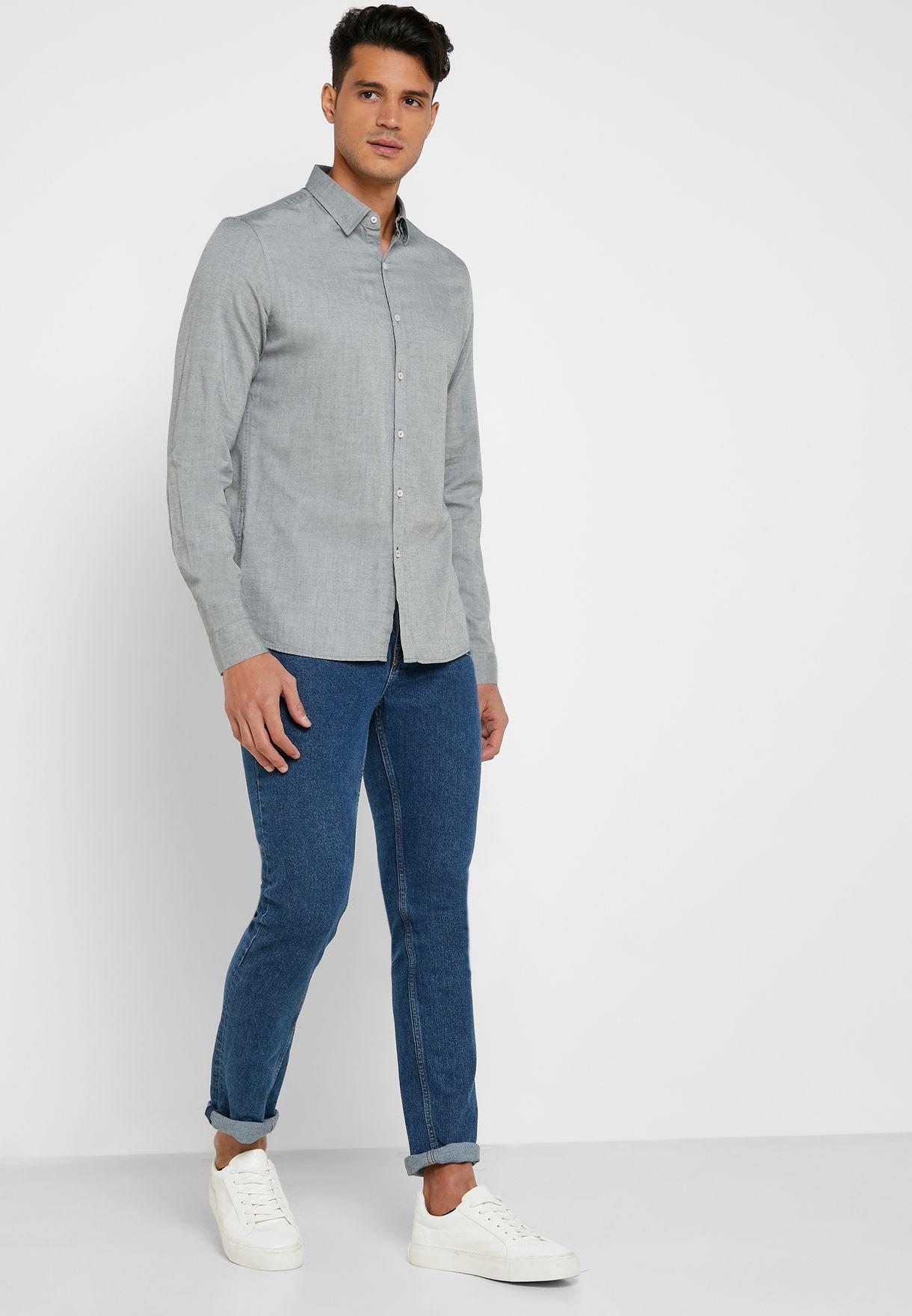 Model Slim Fit Shirt