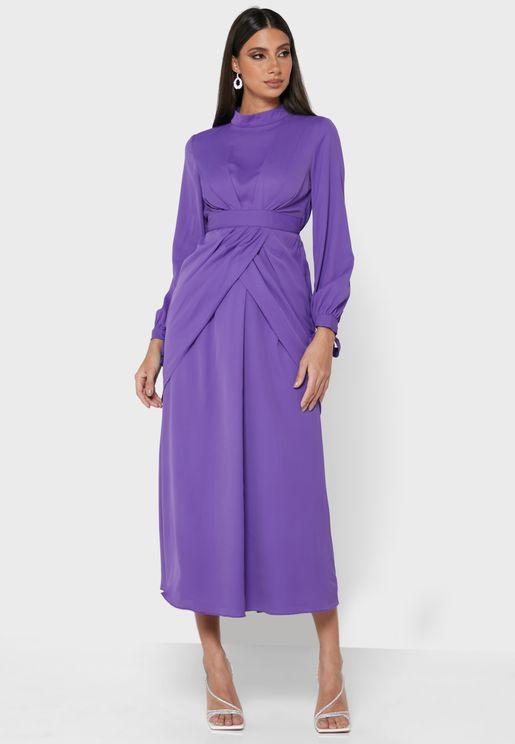 فستان بأجزاء متداخلة