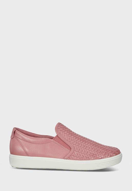 Casual Low-Top Sneakers