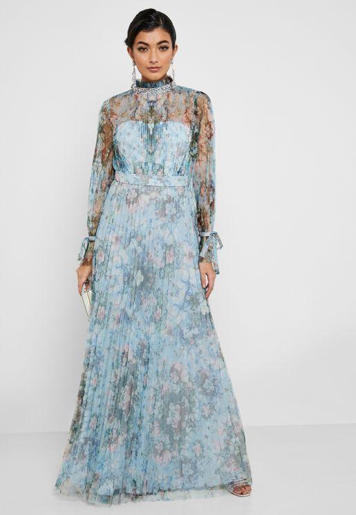 فستان مكسي مطبع بأكمام شفافة