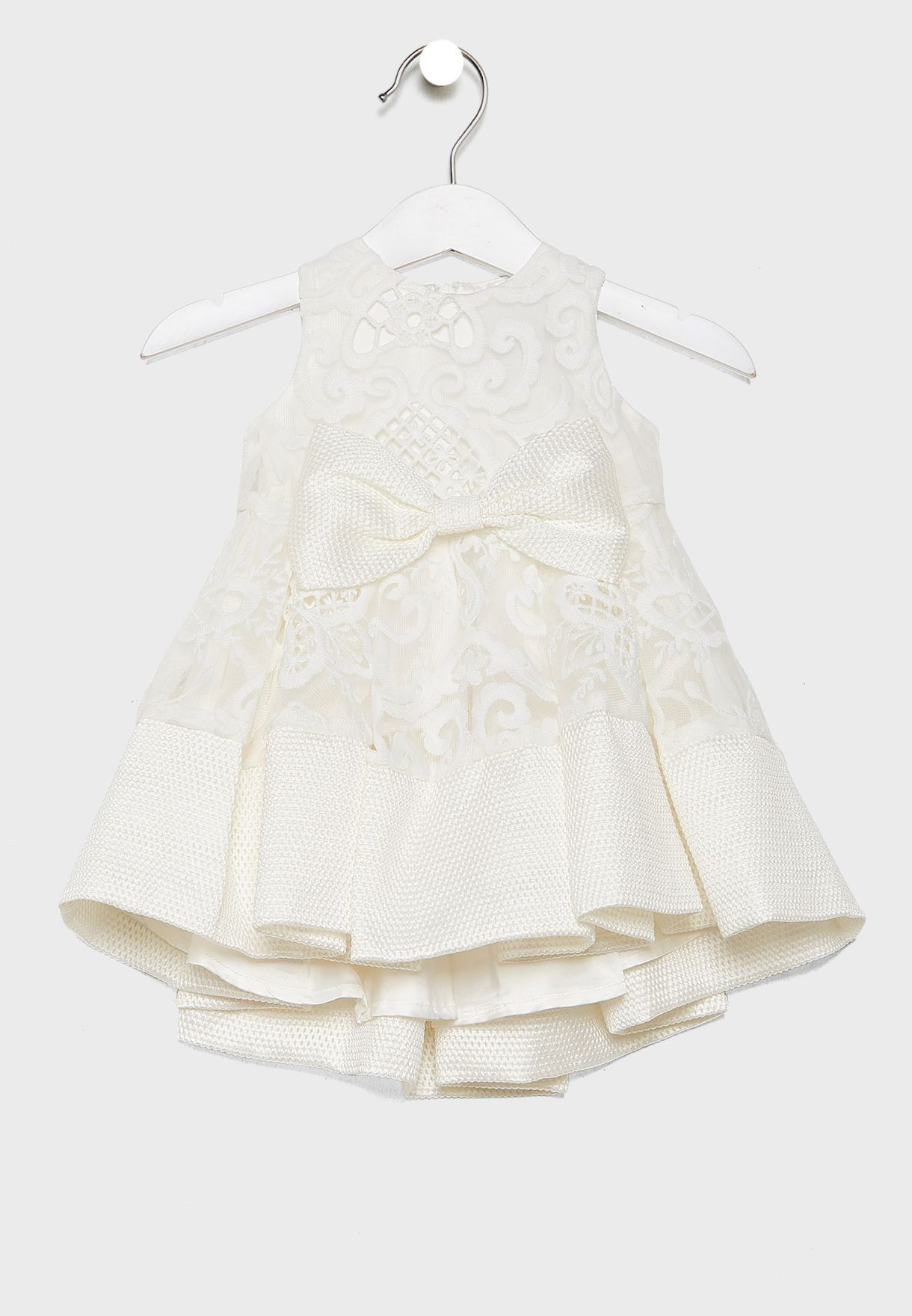 فستان مطرز مزين بفيونكة