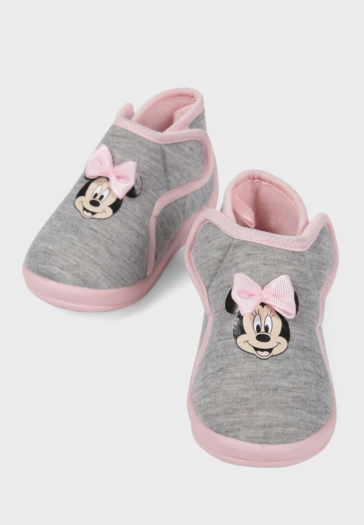 حذاء بطبعة ميني ماوس