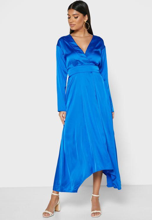 فستان ميدي بياقة واسعة