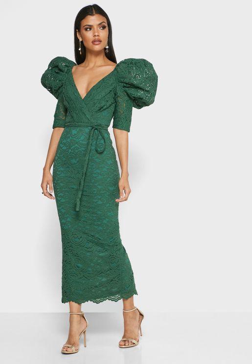 فستان دانتيل بديكون باكمام منفوشة