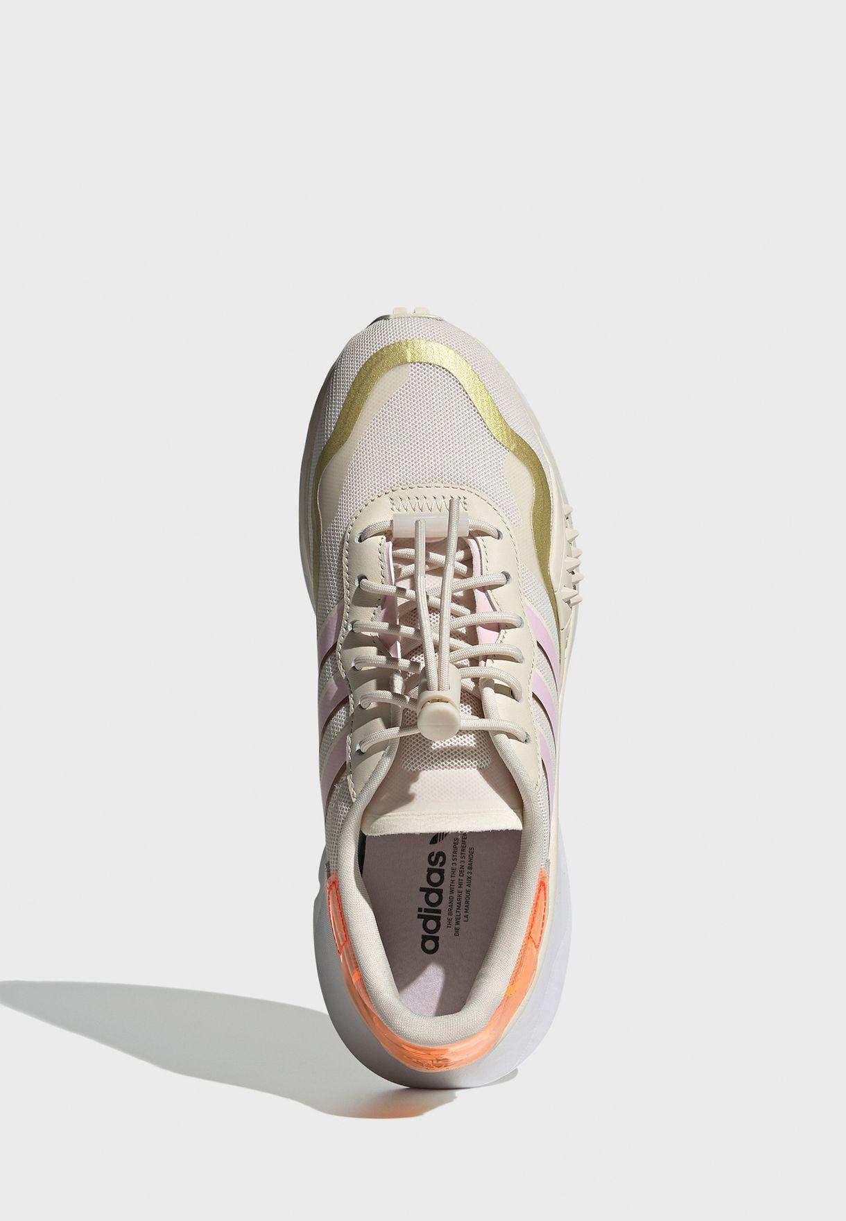 حذاء رياضي شويغو