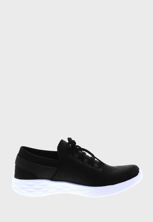 حذاء يو للاطفال