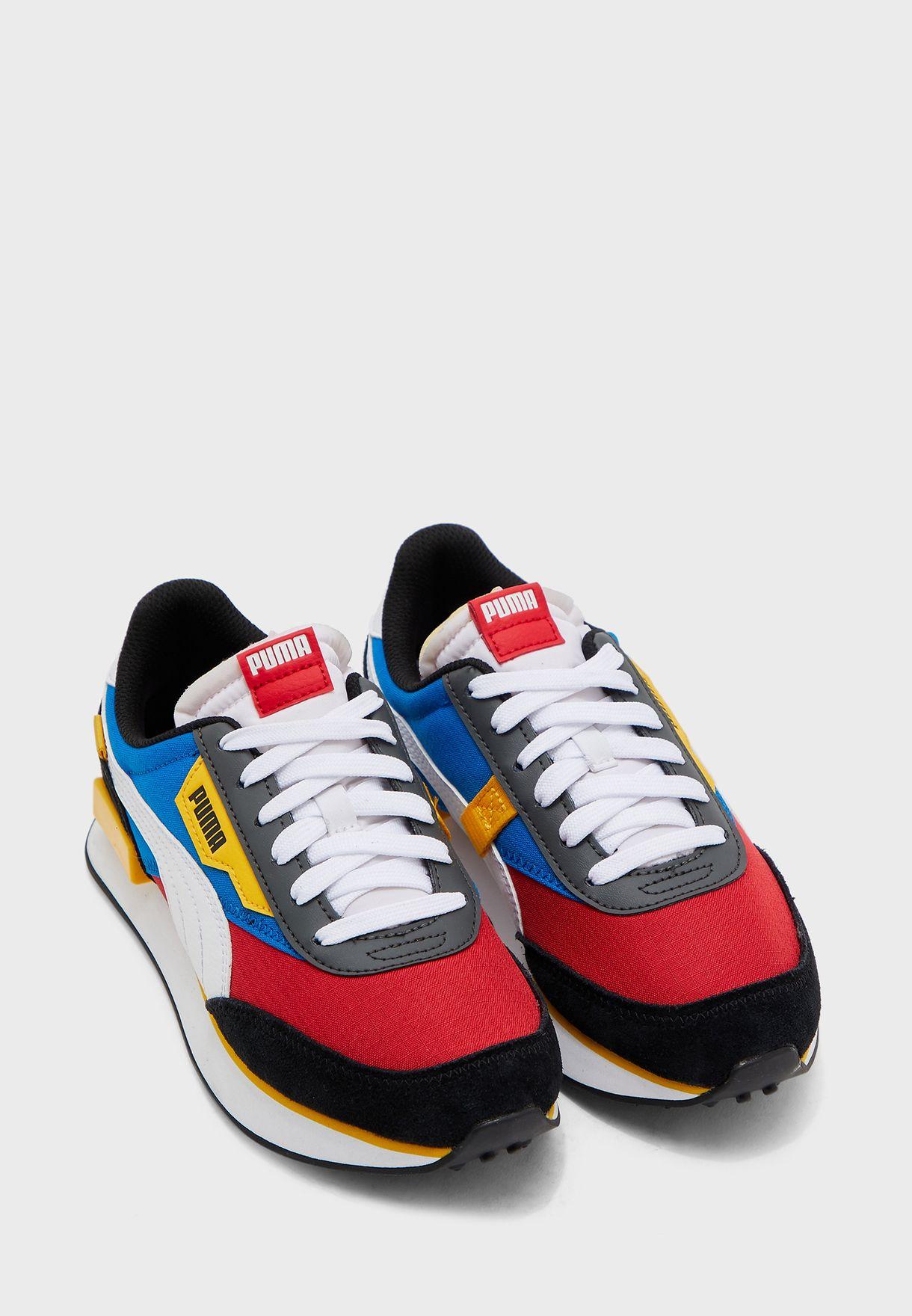 حذاء من مجموعة بوما رايدر