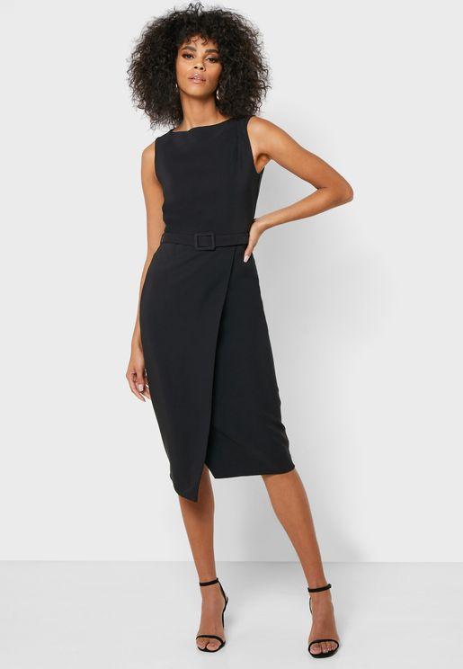 فستان بدون اكمام مع حزام