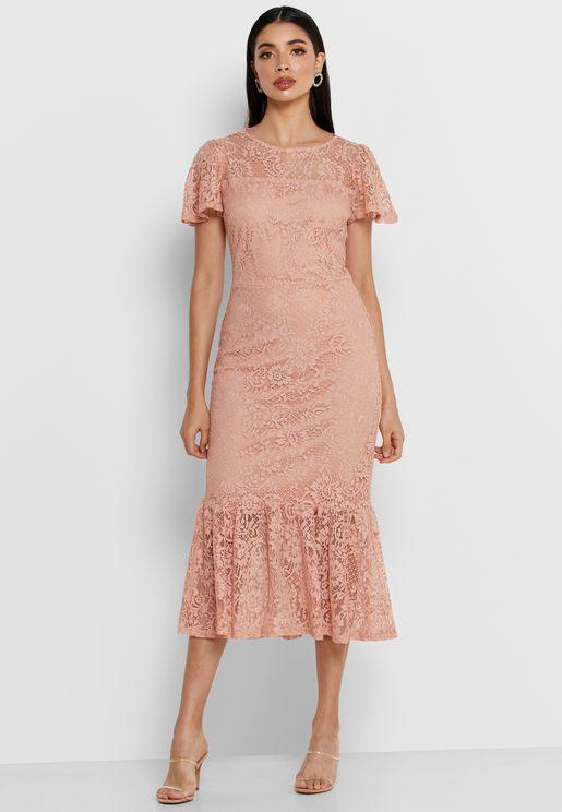 فستان بيبلوم مزين بدانتيل