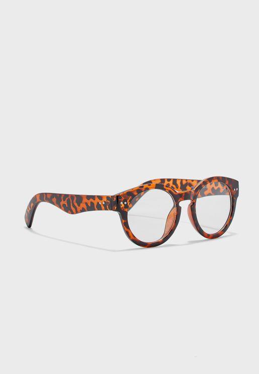 نظارة شمسية بطبعات فهد