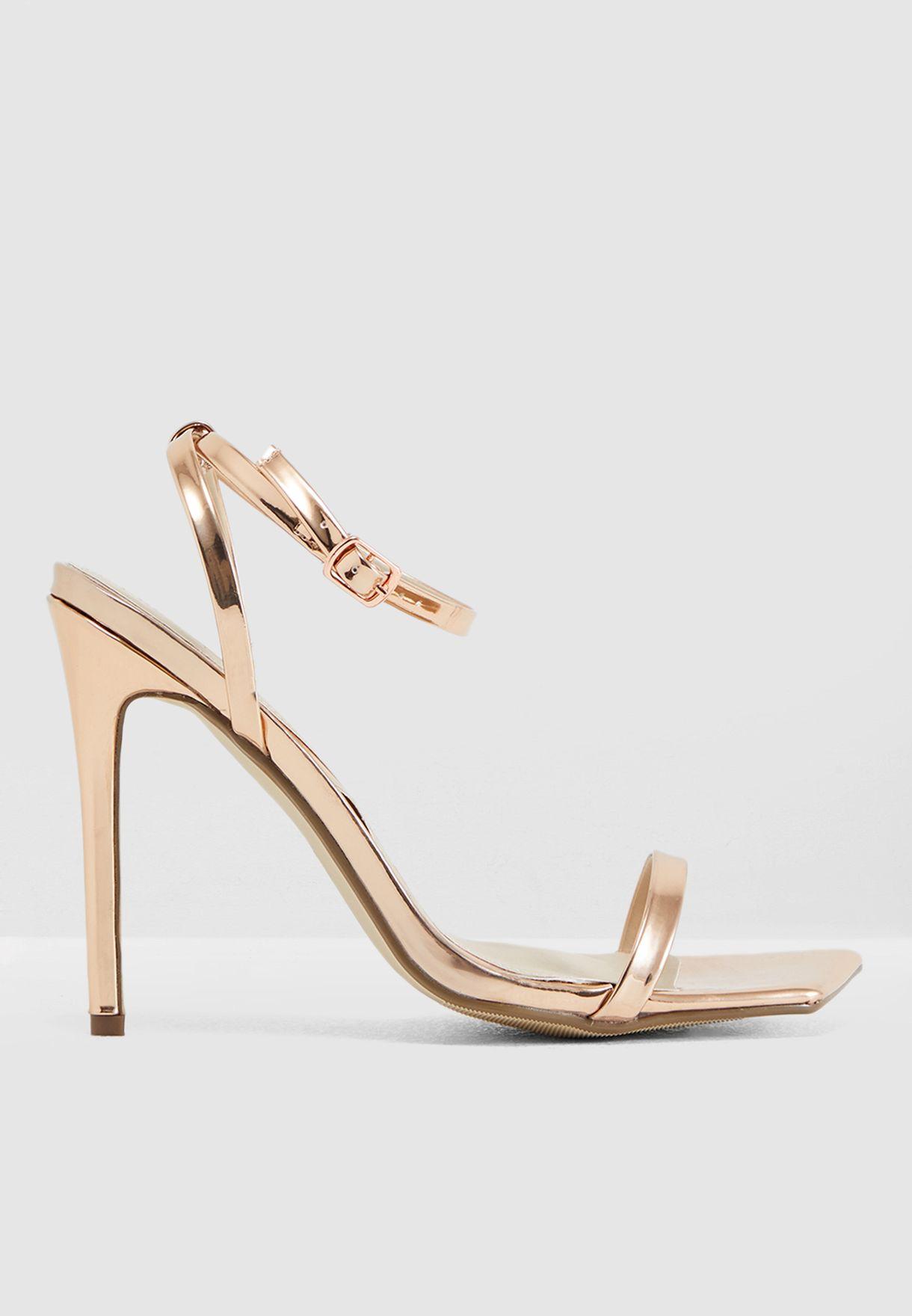 Slanted Toe Skinny Sandal