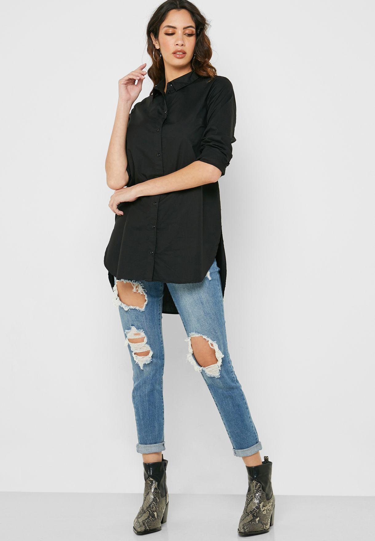 قميص بحواف متباينة في الطول