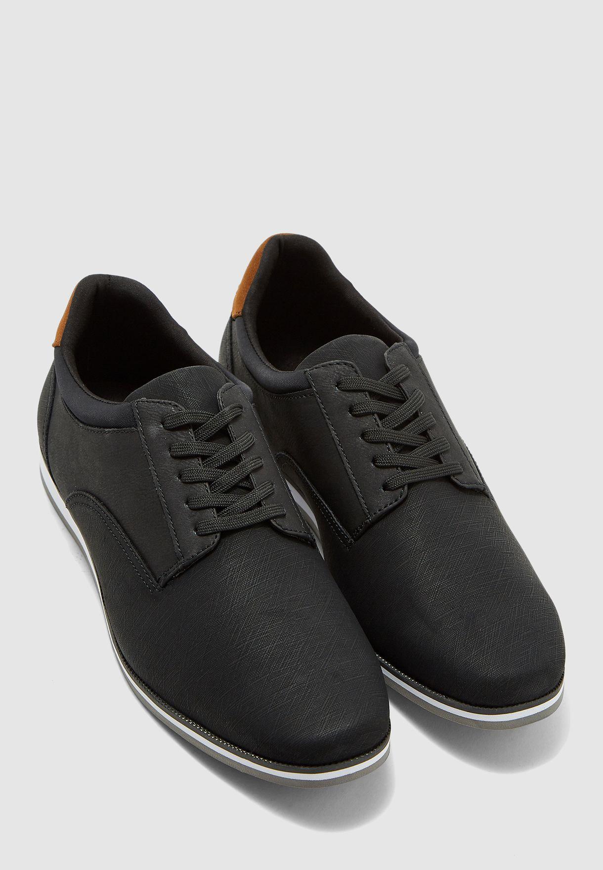 حذاء كاجوال باربطة