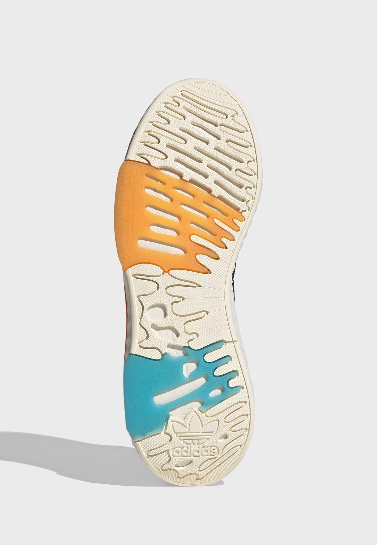 حذاء هاي -تيل