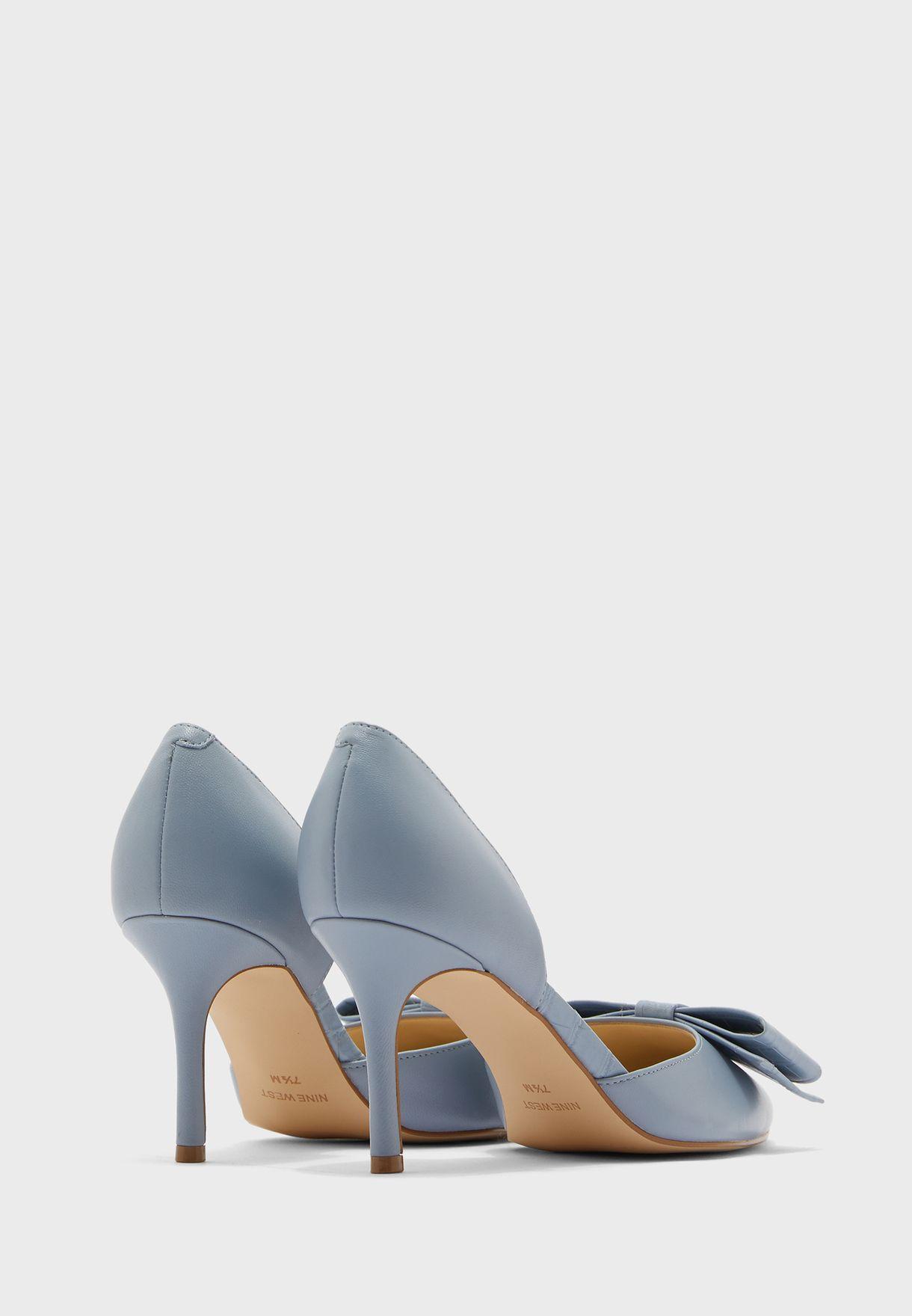 حذاء بكعب مرتفع مزين بفيونكة