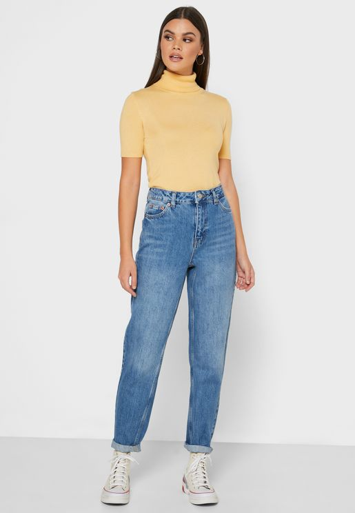 جينز ضيق بخصر عالي