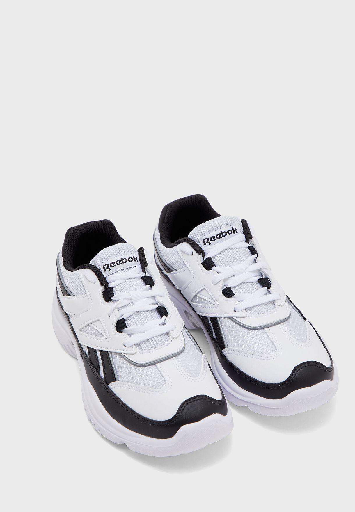 حذاء رويال لوميلا