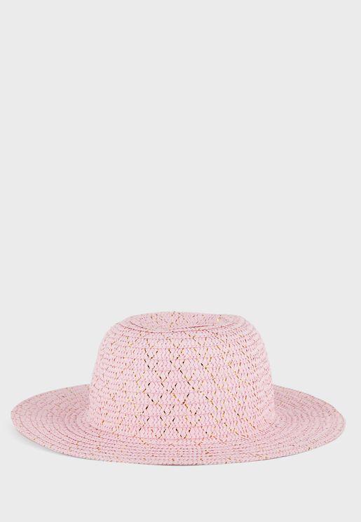 قبعة محبوكة بحافة مسطحة