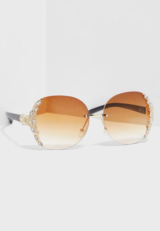 نظارة شمسية مزينة بكريستال
