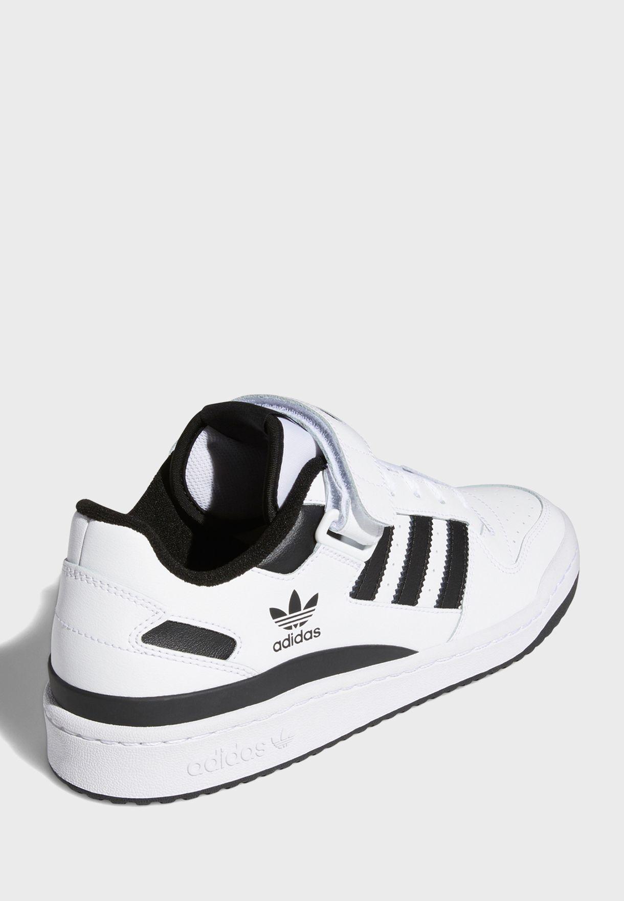حذاء رياضي فوروم  لو