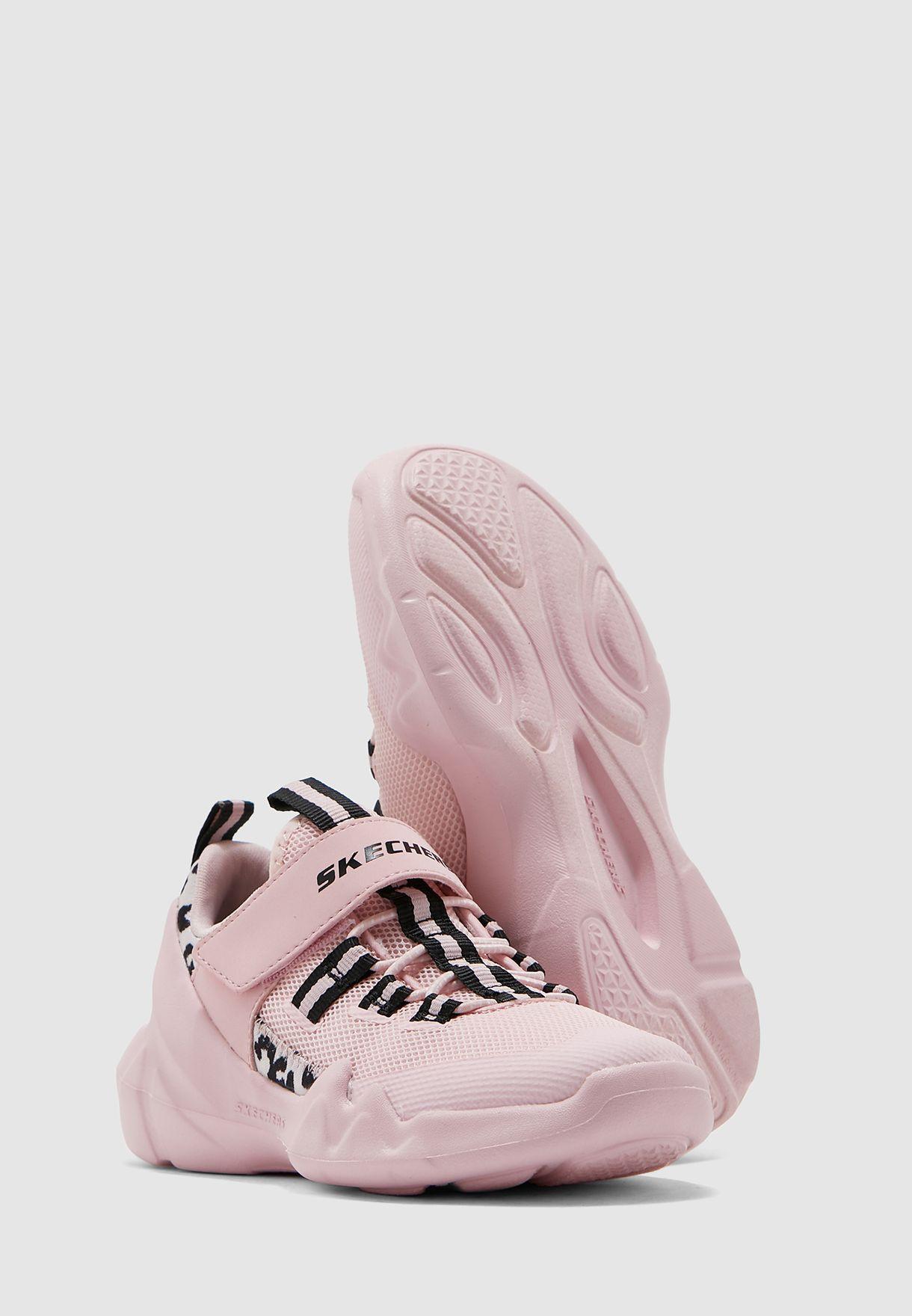 حذاء دي ال تي-ايه للاطفال