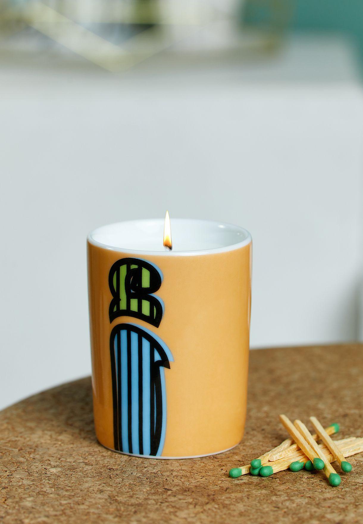 شمعة عطرية مزين بحرف (أ) - 60 جم