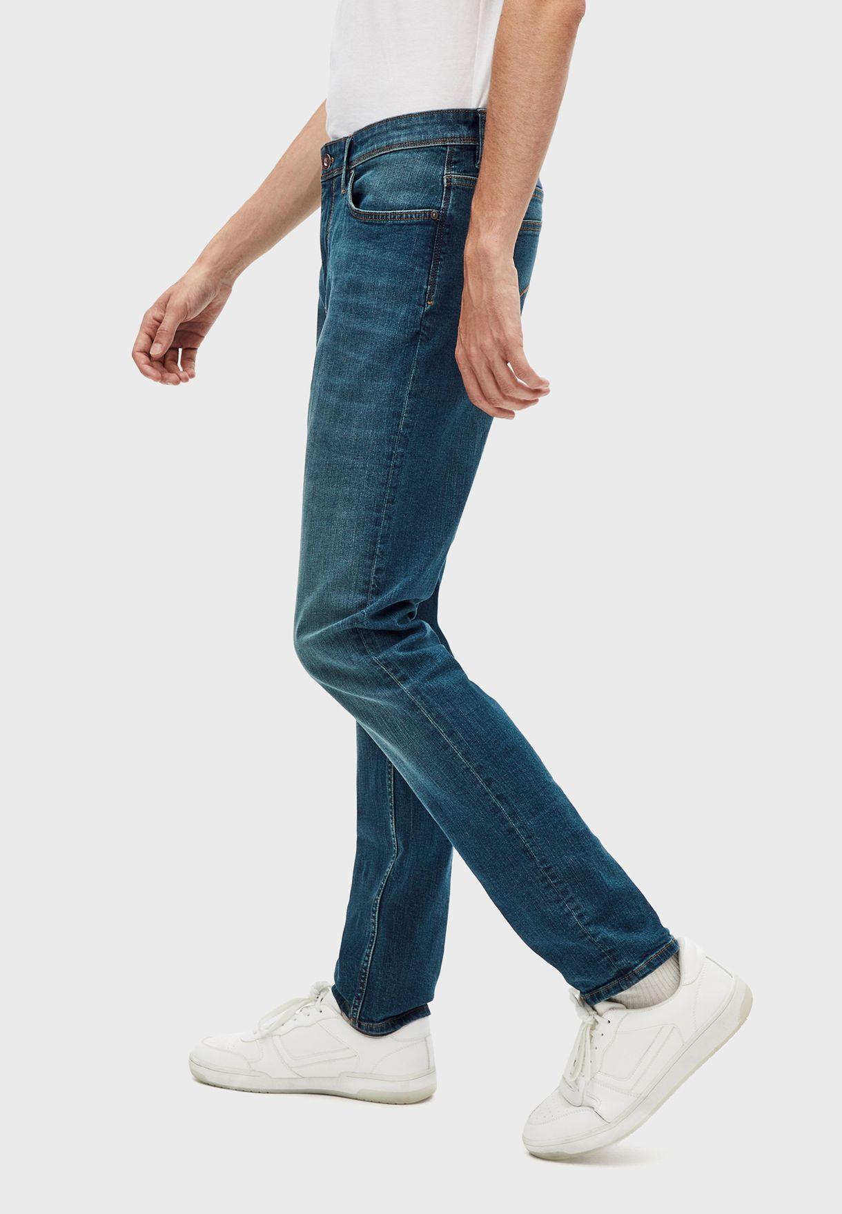 بنطال جينز بقصة سلم