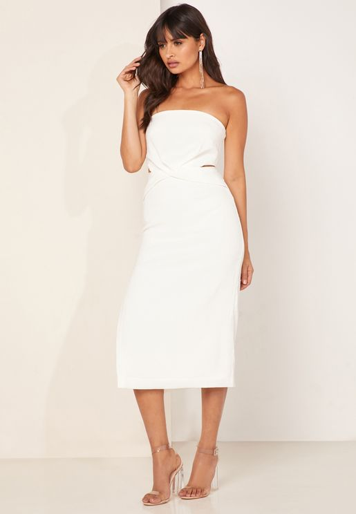 فستان عاري الاكتاف  بفتحات جانبية