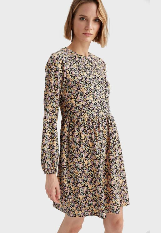Puff Sleeve Ditsy Print Dress