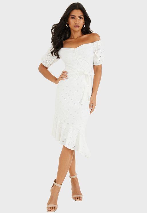فستان بأكمام منفوشة واربطة خصر