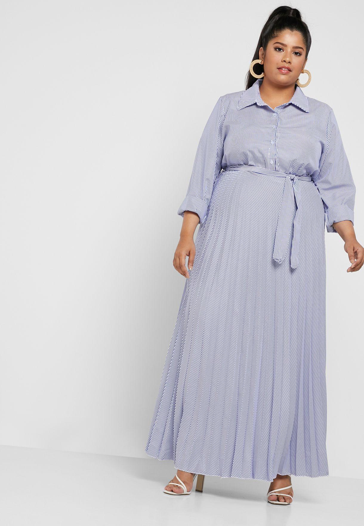 فستان مخطط ومزين بكسرات