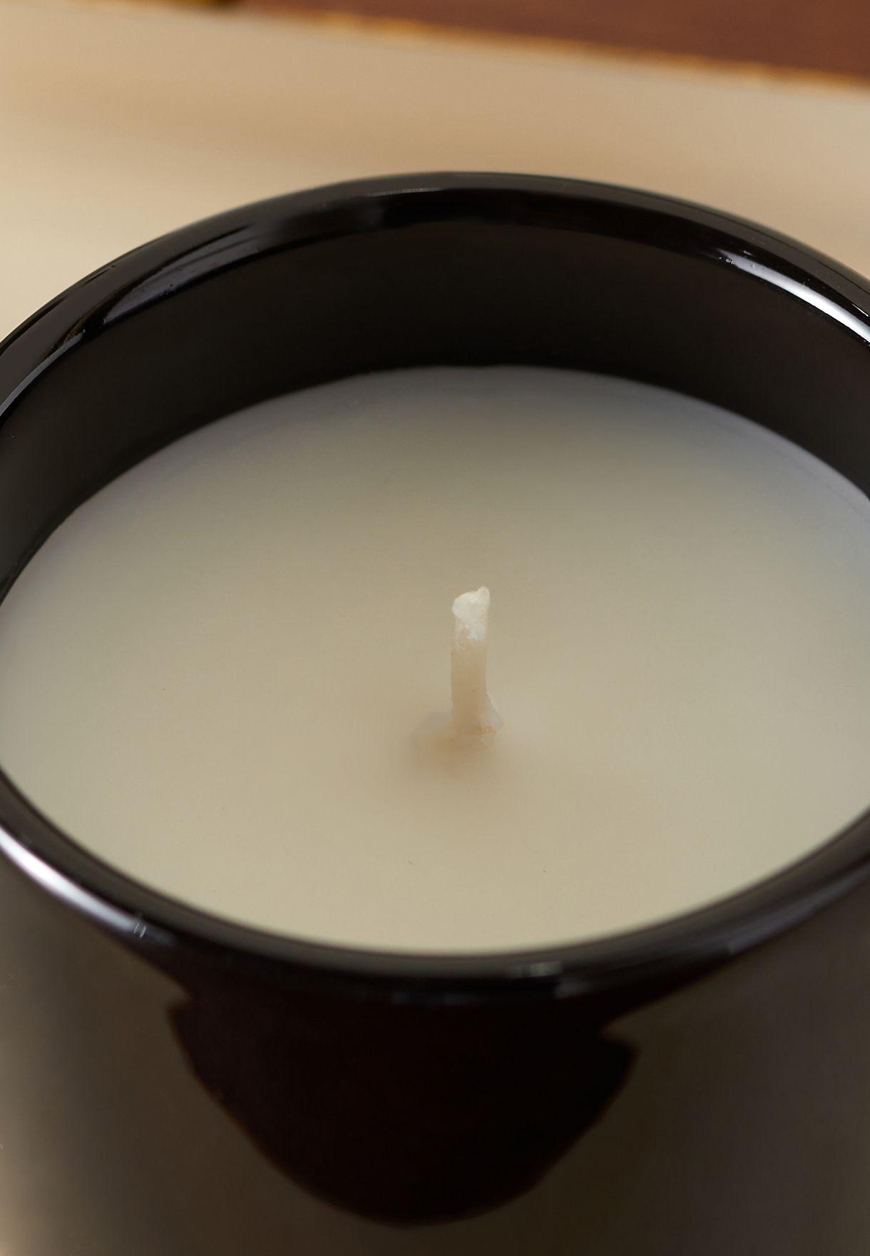 شمعة برائحة خشب الفلفل