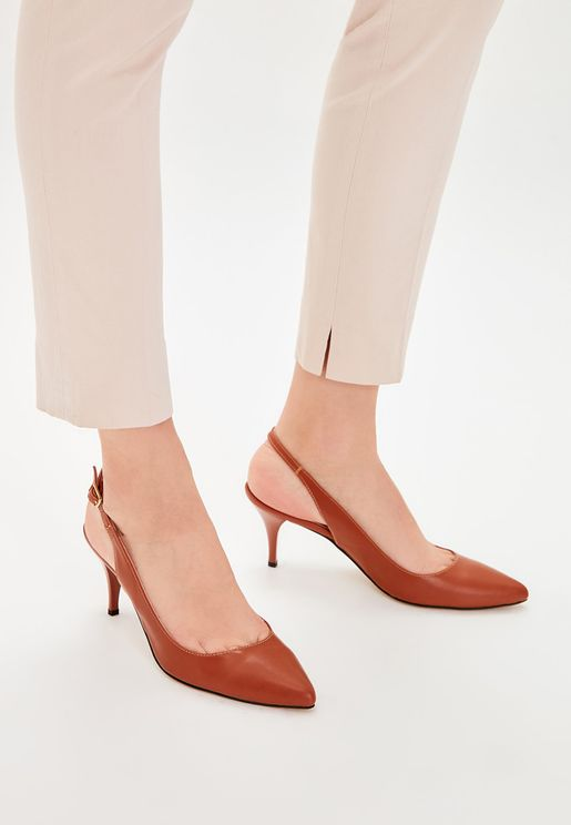 Buckled Detail Mid Heel Pump