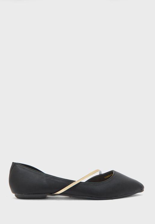 حذاء بكعب صغير