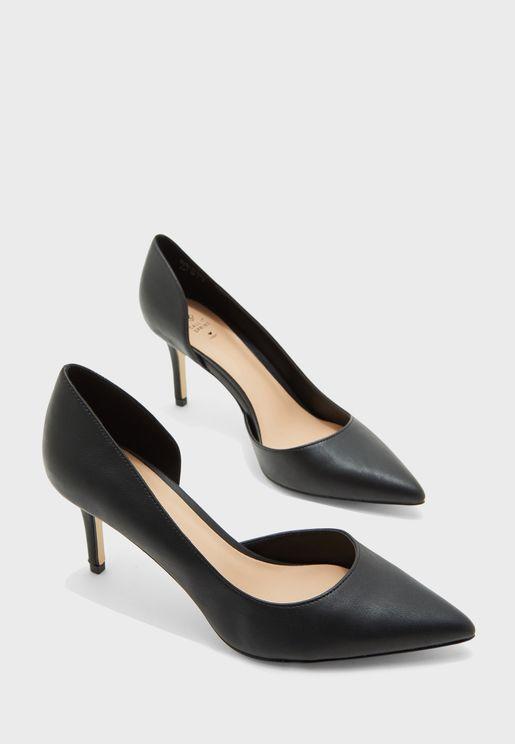 حذاء كعب باطراف مدببة