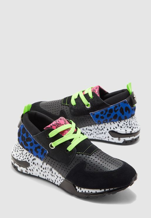 Cliff Low Top Sneaker