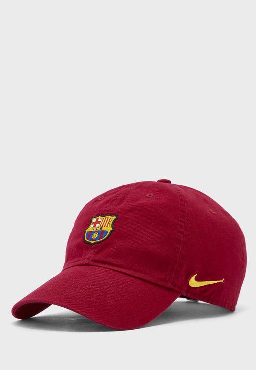 كاب بشعار فريق برشلونة لكرة القدم