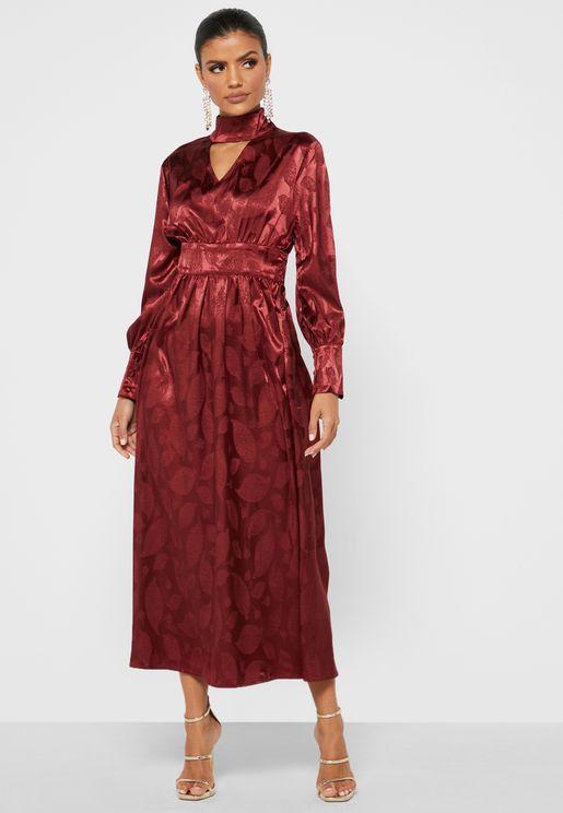 فستان ساتان بخصر مزين