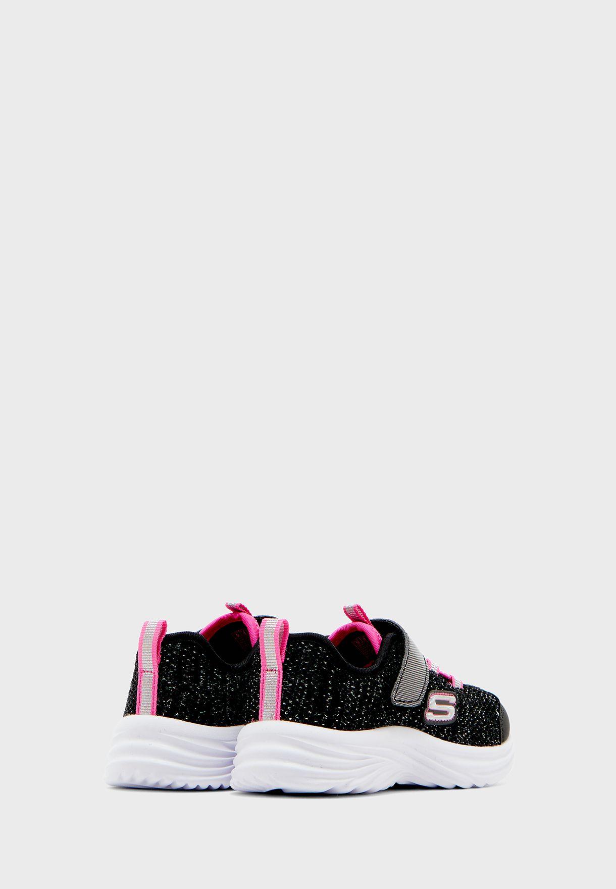 حذاء ديناميك تريد