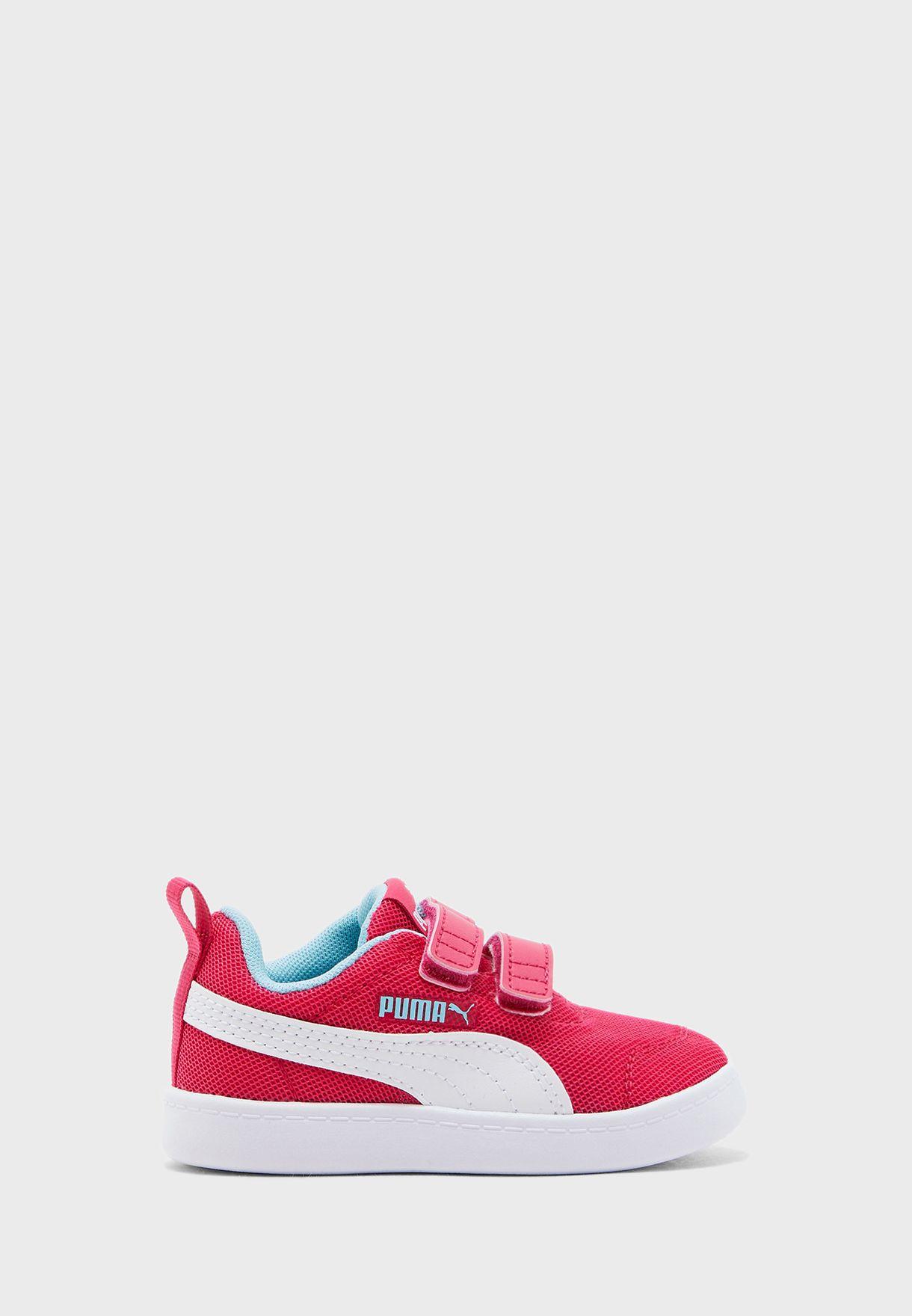 حذاء كورتفليكس في 2