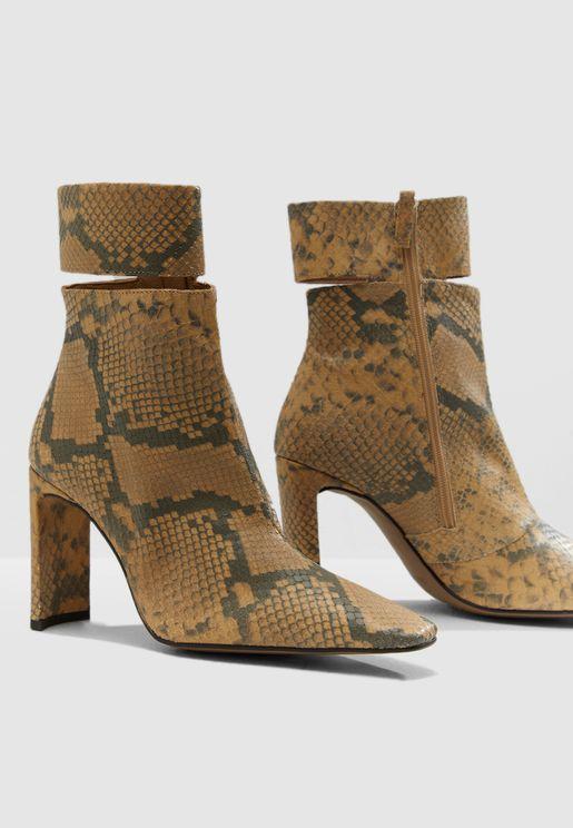Hendrik High Ankle Boot