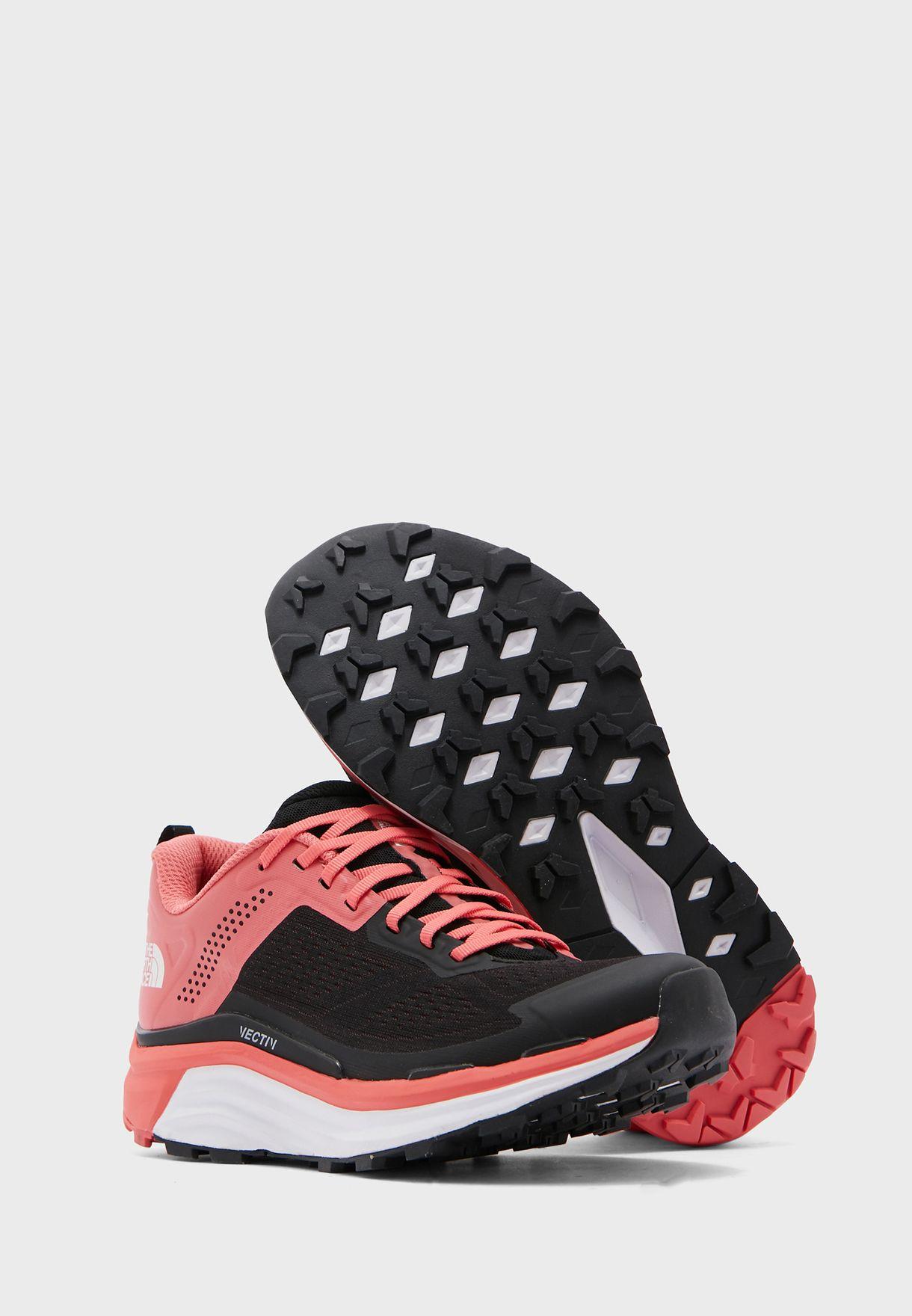 حذاء فيكتيف اندوريس