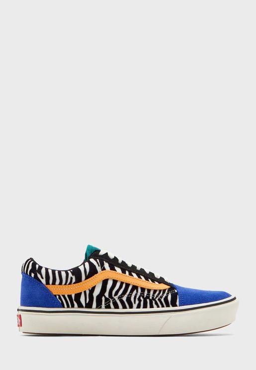 حذاء ملون