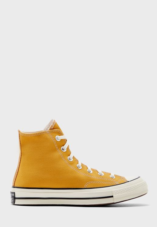 حذاء تشك 70