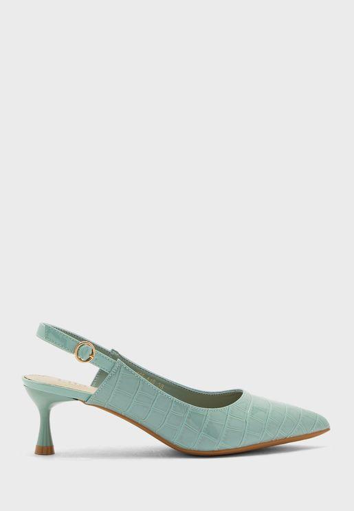 حذاء نمط جلد تمساح بأصابع مدببة