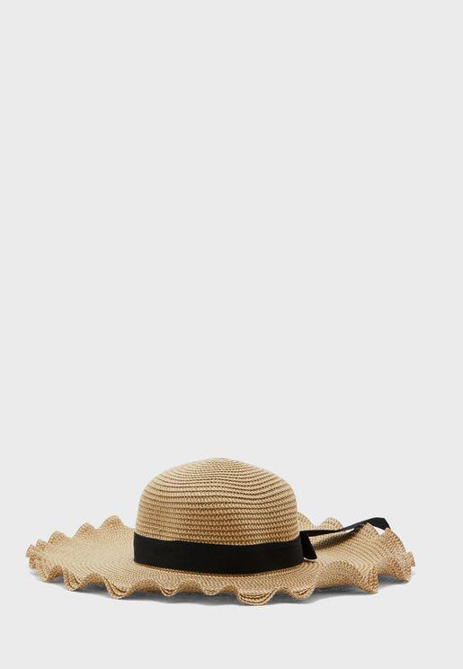 قبعة قش مع فيونكة