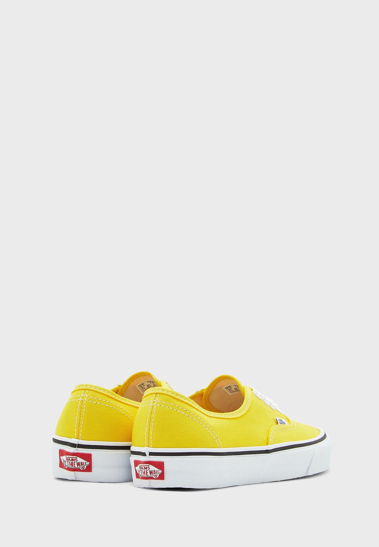 حذاء اوثينتك