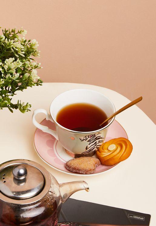 فنجان شاي مع صحن بطبعة نمر