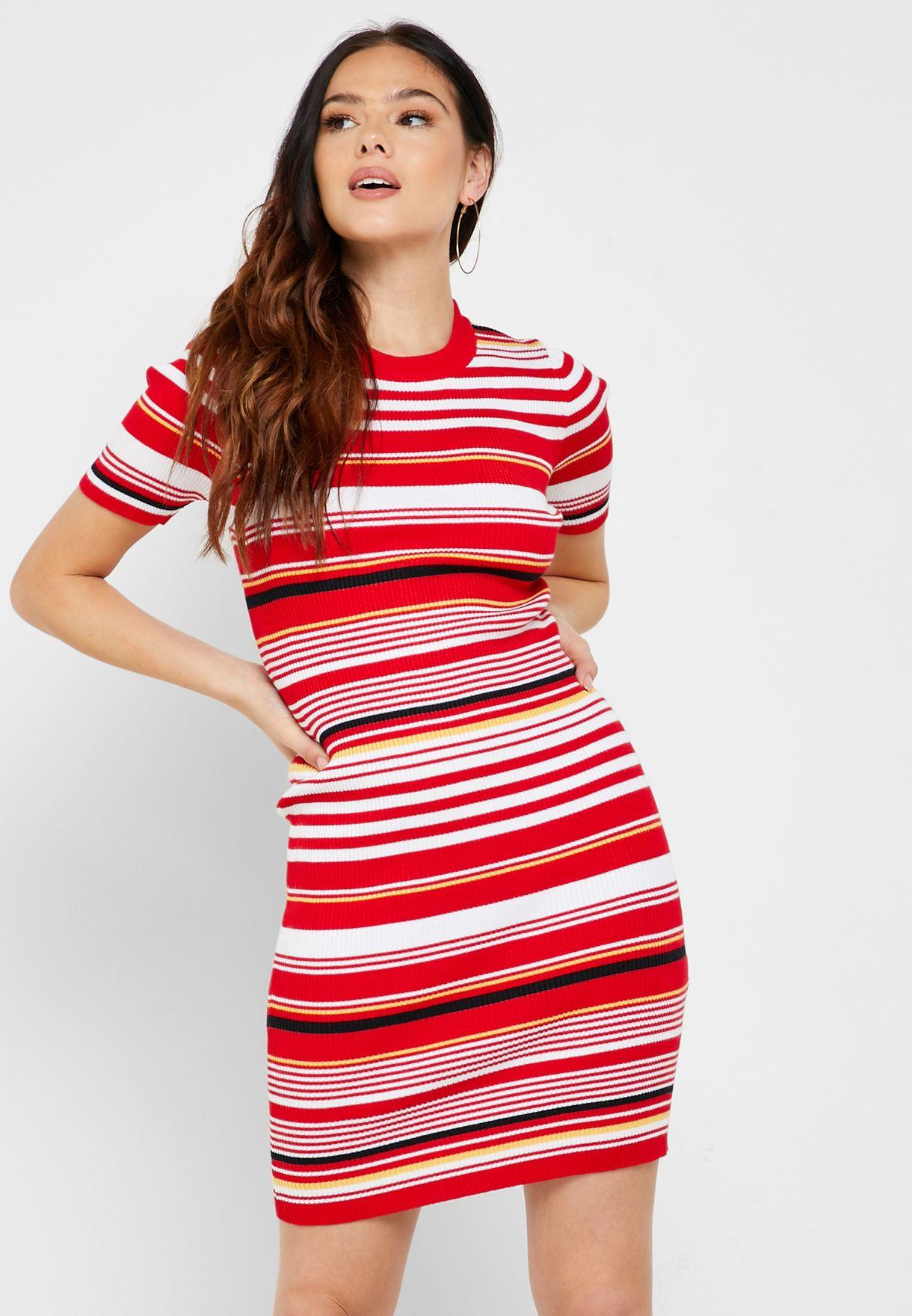 فستان بديكون مخطط
